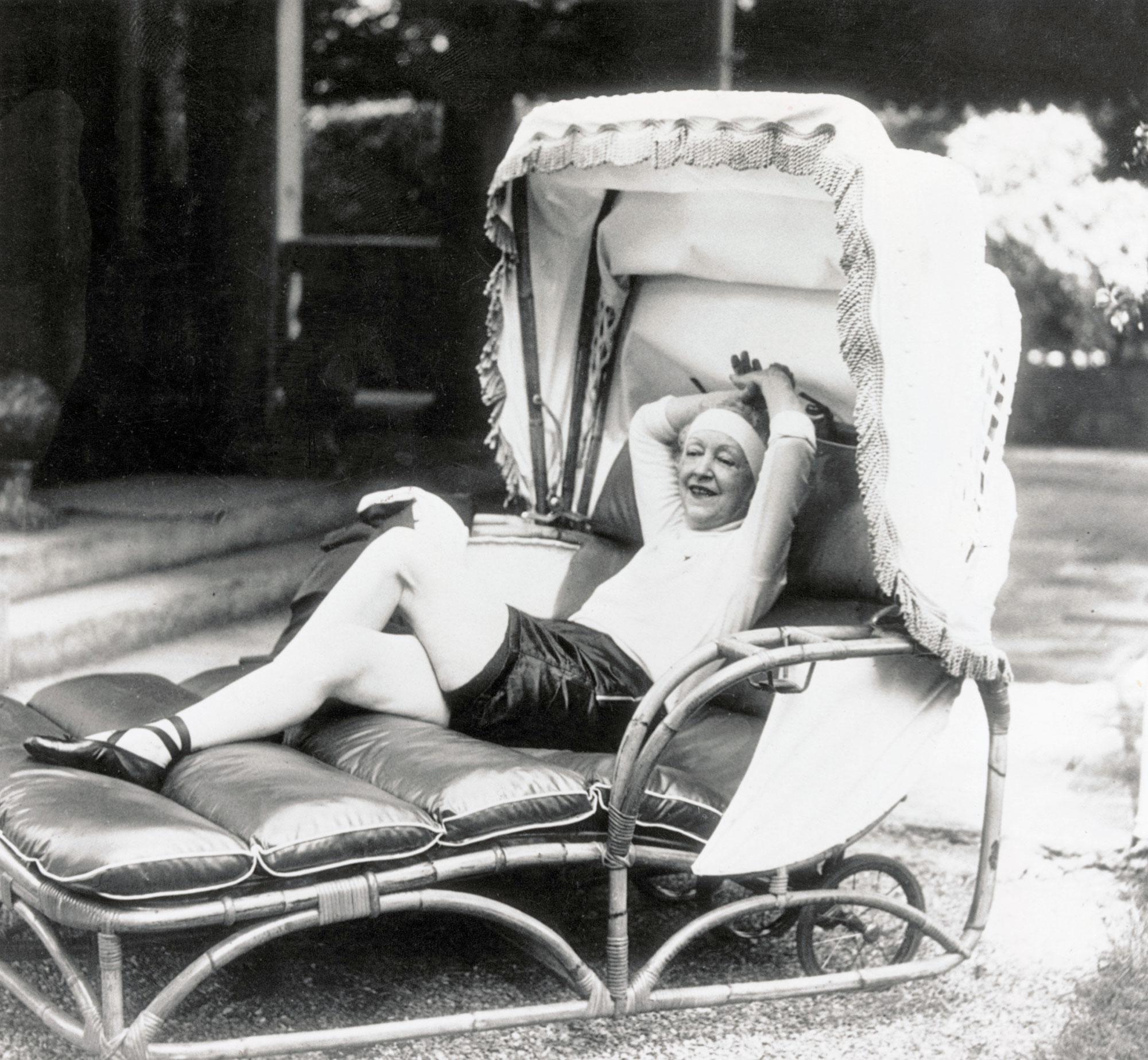 Elsie de Wolfe 5 mujeres creativas que han dejado huella en la historia.