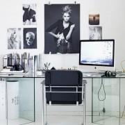 escritorio blanco y negro
